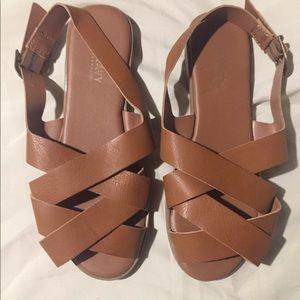 🆕 sandals